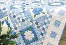 Quilting Bee / Live visiting Amish country to see beautiful hand quilted quilts!