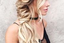 Hair Style Inspiration / Beautiful hair inspiration including long beach waves, buns, and braids.
