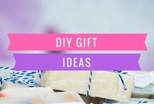 DIY Gift ideas / Cheap DIY gifts for friends and moms, using pictures. Lots of ideas for Christmas and Birthdays. Make something that says I love you!