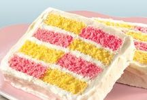 A Taste of Spring / Spring has sprung! And what do we absolutely love? Spring themed baked goods.