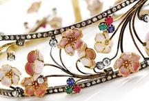 Art Nouveau jewel box. / Iconic Art Nouveau: René Lalique, Masriera, Georges Fouquet, Louis Aucoc, Vever, Philippe Wolfers, Marcus & Co, Lucien Gaillard, and more.