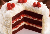 Red Velvet / Red Velvet anything can make a gal feel like a queen. Decadent cream cheese frosting and rich red cake is a royal combo in these reigning ideas!