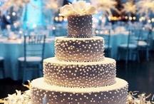 CAKE!!!!! / by Aimee Quinn