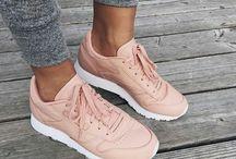 Schoenen Sneakers Boots