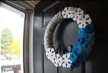 Wreath ideas / I noticed I was pinning a lot of wreaths. Not sure why, I've never made or displayed one. I guess I like round stuff. I'd like to try making some of these. I repinned them here from my other boards to keep them in one place while leaving them where they were too.