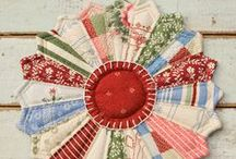 Quilt Wedges Dresden Plates / Quilt block fans, wedges, dresden plates / by ThreeOldKeys Laurie C