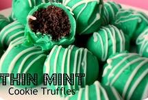 Yummy Desserts / by Jennifer Beltracchi