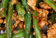 food recipes / by Darlene Bomba
