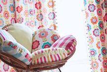 harlequin tapeten & stoffe / zauberhafte motive und farben aus grossbritannien. http://www.kinderraeume-deko.de/markenlaeden/harlequin-markenladen/