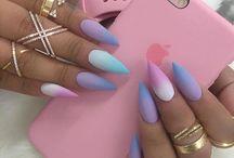 nails ツ