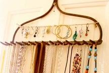 No Wire Hangers! Great Closet Organizing Ideas / by Makely