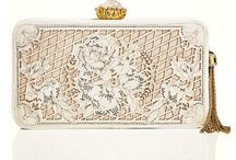 Swoon worthy purses  / by Greerbo Mcdonald