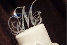 Wedding Cakes & Cake Toppers / by Courtney E. Nichols