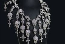 So LiKe GoTh :) / I like the Gothic look. I think it is something different and I would love to see one sometime. So many ideas for weddings. No claims to any pins.  / by Deb (O'Neill) Polito