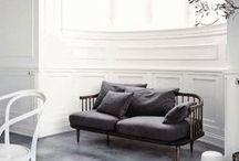 Interiors & decor / by Zonia Szostkiewicz