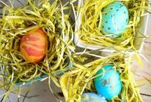 Easter / Tons of Easter ideas: Easter crafts, Easter decorations, Easter party ideas, Easter basket ideas, Easter food inspiration, Easter egg decorating ideas.