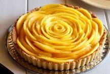 - Cooking in Yellow - / Le jaune donne de l'énergie et véhicule un sentiment heureux. Ses tons doux et légers apaisent. Le jaune peut aussi être très efficace pour attirer l'attention ! / by Marmiton