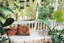 Porch and screen room / Design and decor for indoor-outdoor space