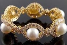 Van Cleef & Arpels / Edgily traditional. / by studioRdesigns Jewellery for the sophisticated woman