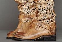 Pretty Feet! / Shoes / by Shelley Loving