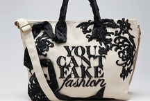 Baggage / A collection of gorgeous bags, totes, clutches, purses from around the WWW