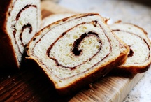 Recipes - Breads & Muffins / by Becky Zrinsky