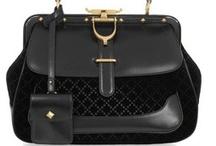 Rochell E Handbag & Clutch Style / by Rochell E James-Lewis