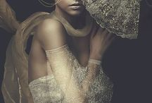 golden. / Gold, fashion, accessories, set design, photo shoot, inspiration