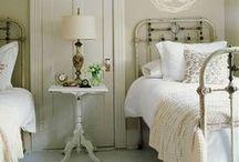Vintage bedrooms / Spacious, vintage & wooden floors ~ my criteria