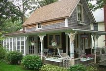 Loft houses & tiny houses / Airy, but small with clever designs that give a spacious living area