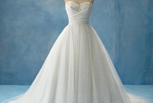 Pretty Dresses / by Cindy Brown