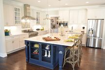 eat in (kitchens & dining rooms) / by Heather Johnson
