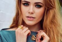 How to wear Piaget with Kristina Bazan / A few days before the Film Independent Spirit Awards in Los Angeles, famous blogger Kristina Bazan participated in an amazing shooting with stunning gold jewels from the Piaget Rose and Piaget Possession collection.