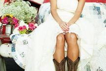 Dream Wedding Ideas <3 / by Courtney Blazo