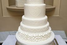 White wedding inspiration / White wedding inspiration and ideas from La Belle Cake Company