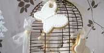 Wedding Cookie Favours / A selection of wedding cookie favours   #weddingcookies #weddingfavours #weddingcookiefavours #weddingfavors #vintagewedding #weddingideas #luxuryweddingideas