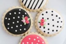 Cut Out COOKIES / The Art of Cookies