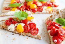 Vegan/Vegetarian Recipes / by Cassie Bee