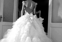 Wedding dress / by Anaïs Kfé