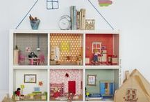 Doll Houses / by Sonia Spotts