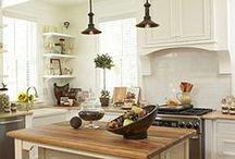 House: Kitchen / by Elizabeth Campillo