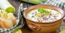Suppenküche / Suppen halten uns warm, wenn es draußen kalt ist. Sie machen uns gesund, wenn es uns erwischt hat. Ob eine nahrhafte Kürbissuppe oder ein Eintopf mit Einlage, die Hände um eine große Schüssel Suppe zu legen ist in den kalten Monaten einfach das Größte.