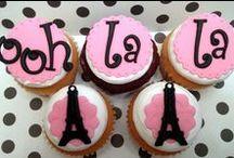 Cake - Cupcakes / by Nicky Schneider