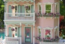 DOLL & DOLLHAOUSES