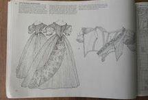 Janet Arnold 's dresses