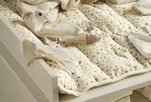 hessnatur BABYROOM / Für den wunderbaren Start ins Leben - hessnatur Naturmode für die Kleinen! Babybekleidung und Kinderbekleidung von hessnatur – das Baby & Kinder Sortiment von hessnatur ist ausschließlich ökologisch und fair hergestellt!