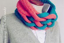Knit/crochet cowls & scarves / by Aimee DelRose Gedvilas