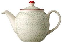 Time for Tea / Cups, teapots, plates & other pretty vintage bits and pieces.