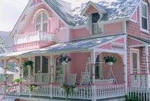 Pretty Pink Houses / Pink houses and buildings.