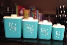 Canisters / Vintage canister sets / by Courtney Barnes